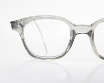 Vintage Mens Horn Rim Eyeglasses American Optical 1950s Wayfarer Light Grey 50s Mid Century Modern Mad Men Chic Fifties