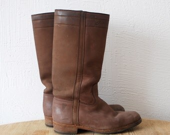 80s matte leather campus boots. tall brown boots - us 9, eur 39, uk 6