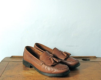 Vintage 80's tan loafers, Bass Weejuns, leather loafers, women's 8