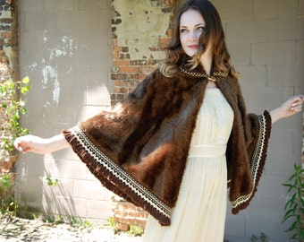 Vintage brown faux fur cape, boho cloak, collar, fringe