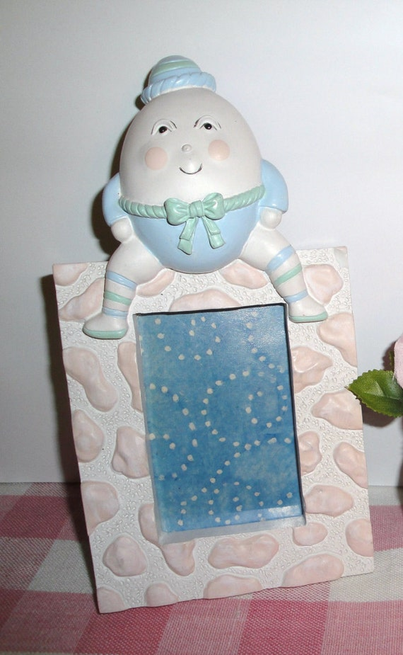 Humpty Dumpty Frame - Vintage - Nursery Decor - Collectibles - Home Decor - Nursery Rhymes - Photo Frame