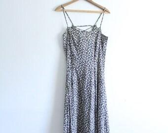 Dark Daisy 90s Maxi Dress