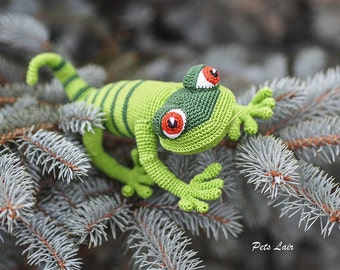 fun toy lizard, Crochet green gecko doll , soft toy, gift to a child, Amigurumi,  designer handmade toys, knitted toy, 100% cotton
