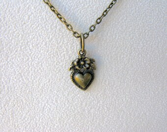 Heart Necklace, Heart Jewelry, Valentine's Day Heart Necklace, Heart Charm, Heart Pendant, Heart Flower