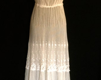 Rare Edwardian Tambour Lace Dress         VG172