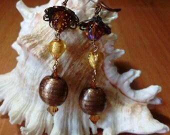 Mod earrings. Amber