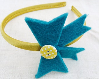 Yellow satin headband with aqua felt bow decorated with wood button / Hairs accessories / Yellow and aqua headband with felt