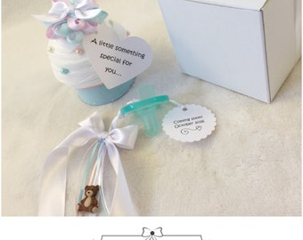 Pregnancy Announcement Cupcake - Bun in the Oven, We're Expecting Something Sweet!!