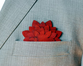 Wood pocket flower - Suit up