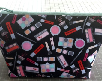 make up pouch...matching accessory pouch..make up fabric to match consultant bag