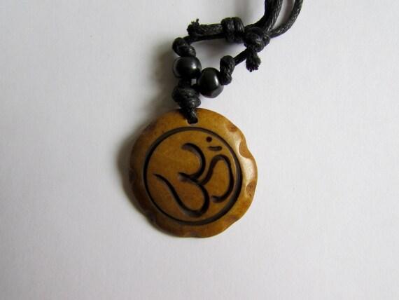 Adjustable Wax cord Om Ohm Aum Namaste Yak bone necklace handmade hand carved Unisex Tribal bone beads Yoga Yogi Free UK Delivery G2D4