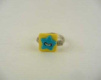 Star button wire wrapped ring