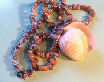 Beautiful vintage shell pendant necklace 20ins