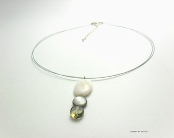 Ivory and brown short pendant necklace