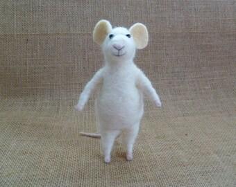 Needle felting kit - tutorial - Monty mouse basic kit :) - needle felted mouse - felting needles - roving - wet felting - felted balls