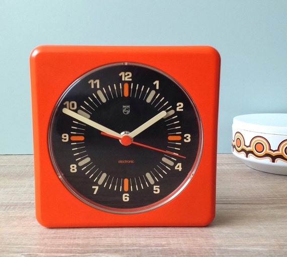 vintage 70 39 s philips wall clock philips electronic. Black Bedroom Furniture Sets. Home Design Ideas