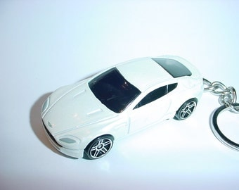 3D Aston Martin  V8 Vantage custom keychain by Brian Thornton keyring key chain finished in white color trim 007