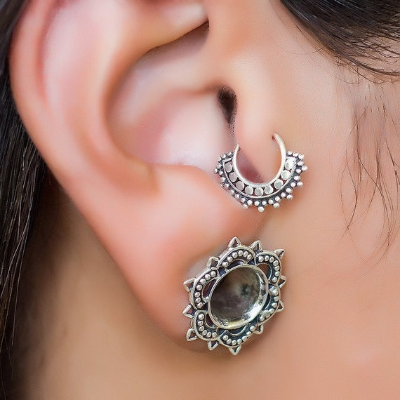 tragus piercing silver cartilage hoop helix earring tragus. Black Bedroom Furniture Sets. Home Design Ideas