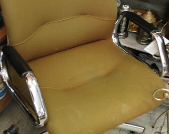 Mid Century Steel Case Office Chair***Ask About Shipping