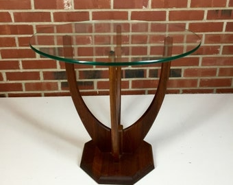 Mid Century Danish Modern Lamp/Planter Style End Table