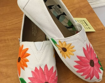 Floral Painted Canvas Shoes