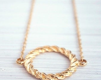 Gold circle, gold filled chain, for her, bridesmaid gift, delicate necklace, classic jewelry