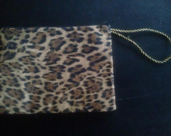 Leopard print zippered wrislet cosmetic bag