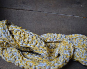 crocheted thick tri-color 6' scarf