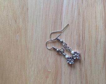 Simple Daisy Drop Earrings
