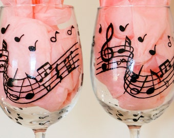 Pair of wine glasses/Hand painted musical wine glass/Musical notes wine/music lovers/cleft/Pair of musical/teachers gifts/music lovers