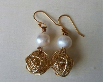 Gold plated wired balls and pearls dangling earrings