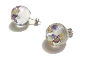 """Nature bubble"" earrings with inclusion of petie flower Purple Mountains"