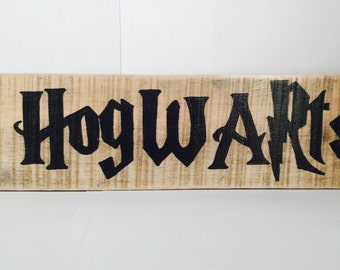 Handmade Sign - Hogwarts (This Way)