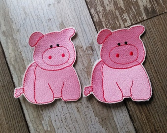 READY TO SHIP!!!! Farm Animal Kit - Sitting Pig - Embroidered Iron On Patches. Set of two!