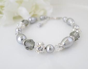 Wedding bracelet, Swarovski crystal and pearl bridal bracelet, Gray teardrop wedding bracelet