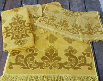 Vintage 6 Piece Yellow, Gold, and Mustard  Fashion Manor Towel Set