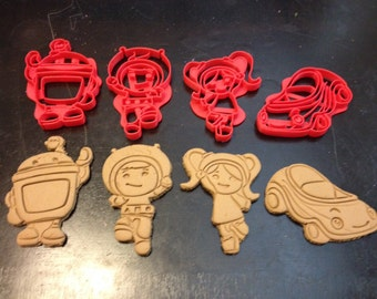 Team Umizoomi Cookie Cutters - Geo, Milli, Bot, and Umicar. All 4 in this set. Great for your kid's Umi theme birthday party. Play-Doh