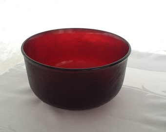 Ruby, red Arcroc glass salad bowl