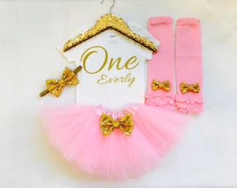 Pink and gold first birthday outfit, pink gold 1st birthday outfit, pink and gold birthday, first birthday outfit, personalized outfit