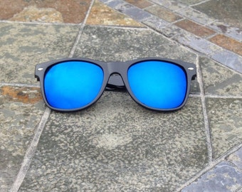 Mirrored Sunglasses - Wayfarer Style - Good Quality - Low Cost - Multiple Lens Colors