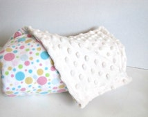 Baby Blanket, Polka Dot & Minky Blanket for Baby, litterie bassinette, courtepointe bébé, Newborn Baby Gift, Ships to Canada, Baby Girl Gift