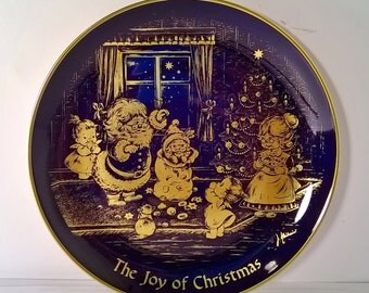 """Vintage 1976 """"The Joy Of Christmas"""" Decorative Holiday Plate"""