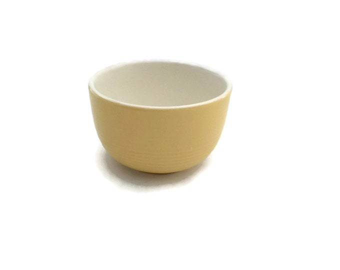 Ceramic Bowl, Mixing Bowl, Hostess Gift, Batter Bowl, Pale Yellow Decor, Kitchen Bowls