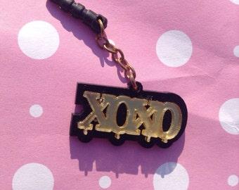 Dust plug Handmade  cute xoxo kisses phone anti charm black and gold earphone  jack
