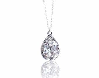 Mother's Day Sale Event Pear Shaped Necklace Delicate Pendant Swarovski Pendant Teardrop Necklace Teardrop Pendant Dainty Necklace Mom's