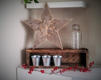 STAR - Rustic woodwork - recycled - wood pallets or barn