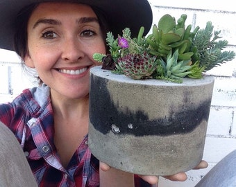 Grey with charcoal spotch ROUND concrete planter { 15cm x 12cm}