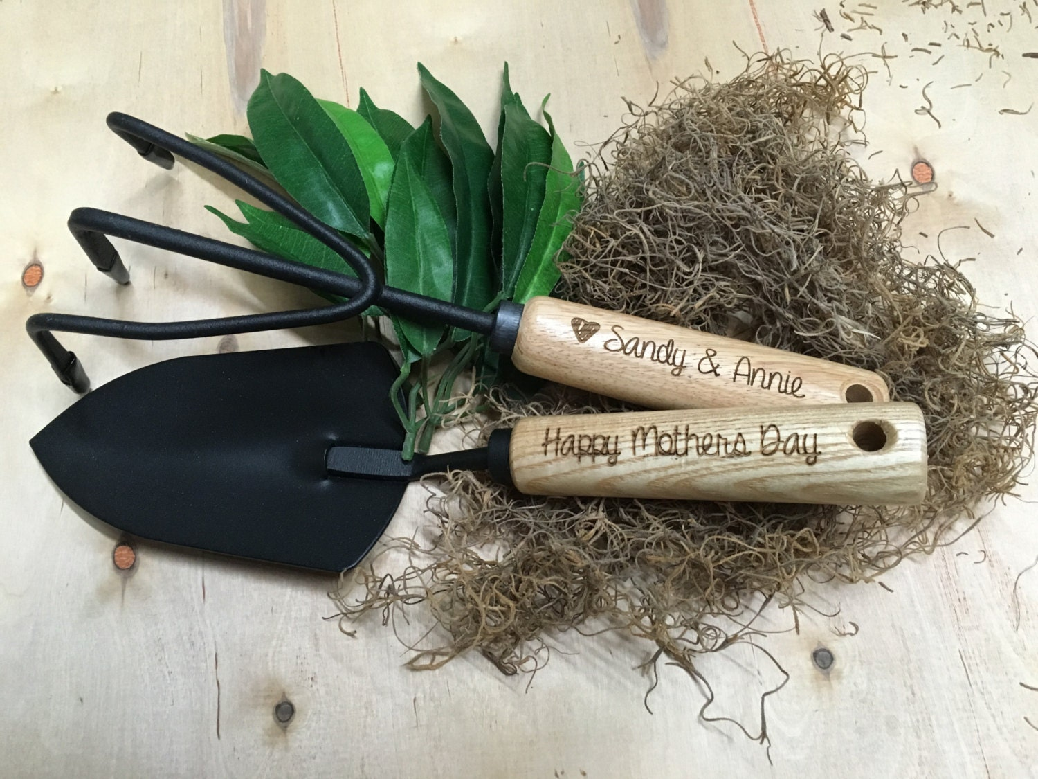 Personalized Garden Tools | Unique Gift for Her | Gift for Grandma | Gardening Gift | Gardening Tools | Engraved Hand Trowel & Cultivator