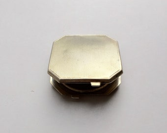 Vintage Art Deco Sterling Silver Engine Turned Compact Case.