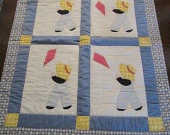 ADORABLE VINTAGE  Sunbonnet Sam Quilt ~ Crib Baby Quilt ~ Flying Kite